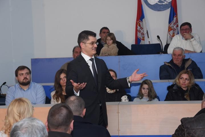 Јеремић: Партијско запошљавање - рак-рана Србије