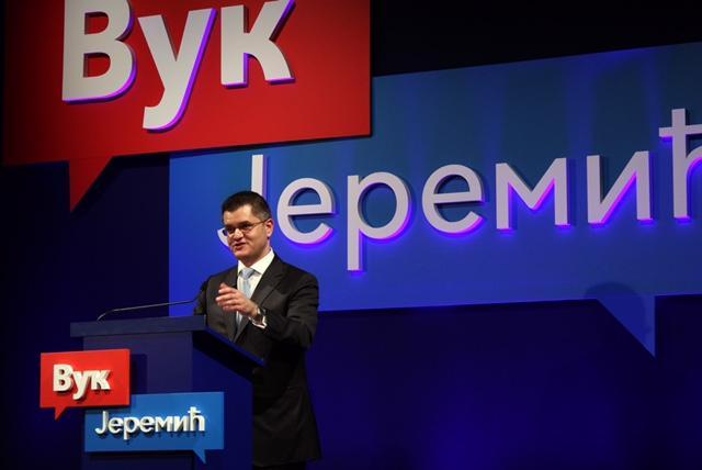 Вук Јеремић: Власт нас држи у колективној хипнози
