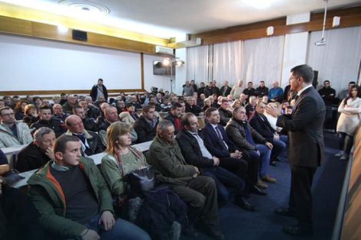 Јеремић у Лозници: Борба против партијског запошљавања један од приоритета