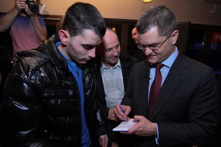Јеремић: Координација Вучића и Тачија због предстојећих избора