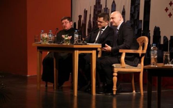 Јеремић: Србија данас није европско друштво, треба га градити
