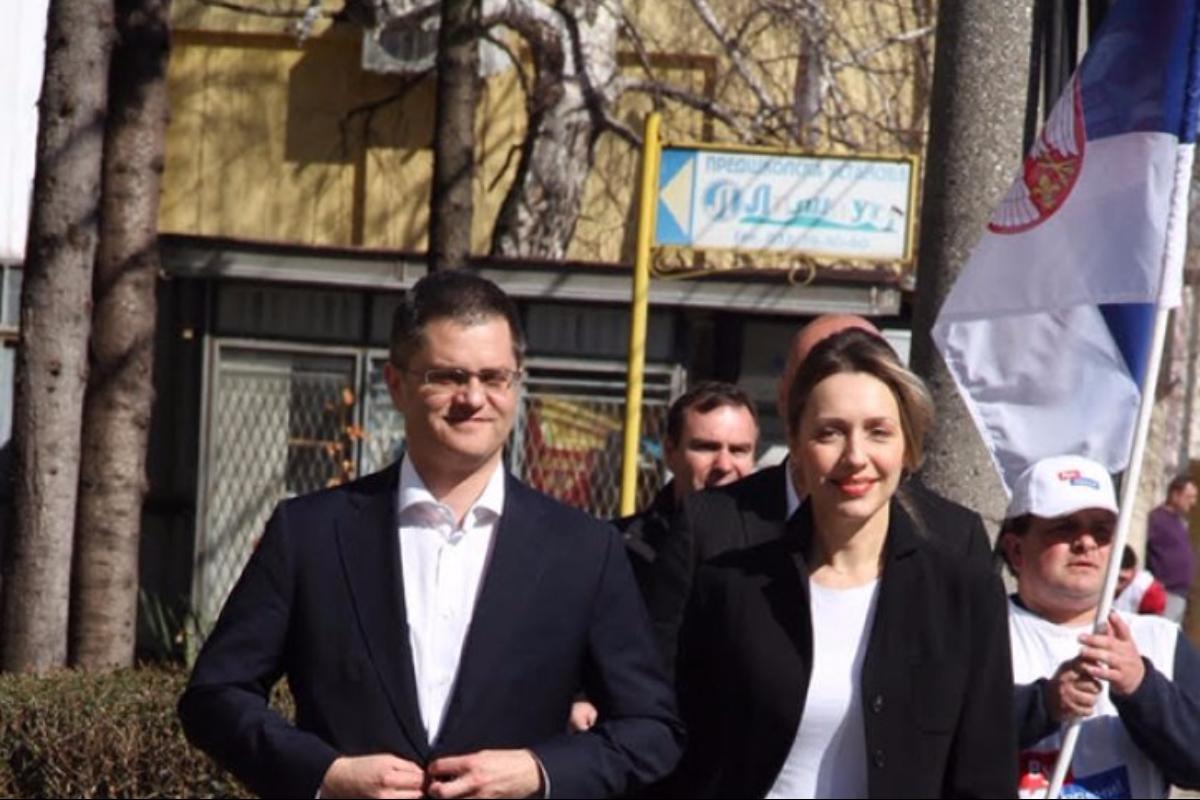 Предизборна  кампања: Јеремић у борбу за председника кренуо из родне Јежевице