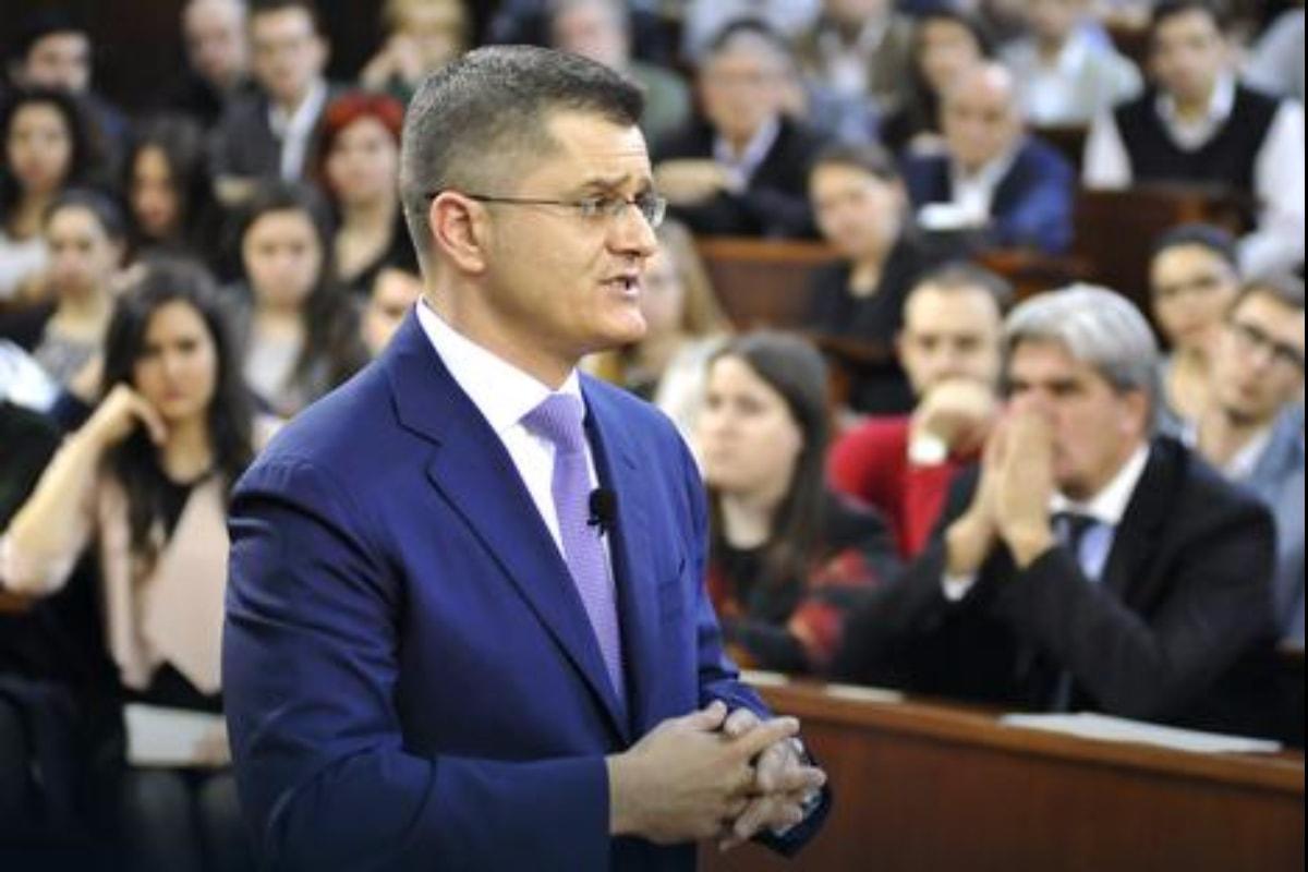Јеремић: Трку за преседника Србије трчим са више жара од оне за место у УН