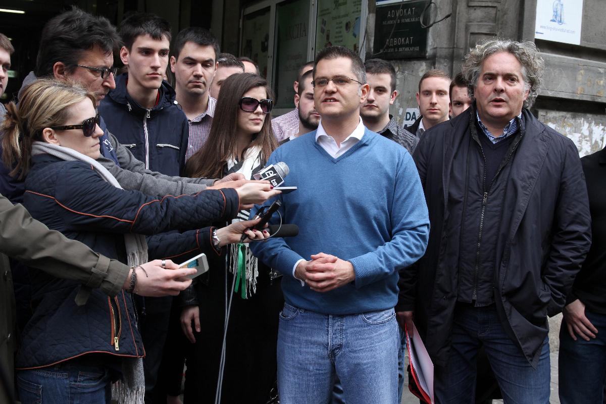Јеремић: Информер је главно службено гласило Александра Вучића
