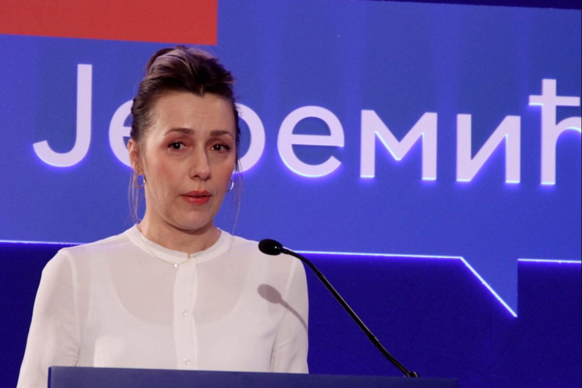 Наташа Јеремић поднела кривичну пријаву против СНС и Вучића